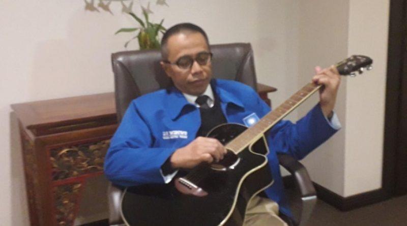 Dradjad Wibowo Main Gitar