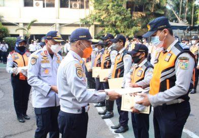 Sepuluh Petugas Sudin Perhubungan Jakut Diapresiasi Atas Dedikasi Selama Bertugas.