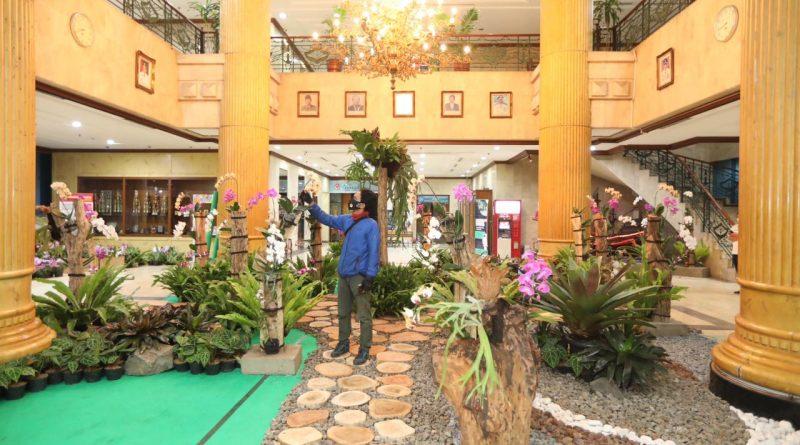 Sambut HUT ke-494 Jakarta, Pemkot Jakut Rubah Lobi Kantor Menjadi Taman Eden