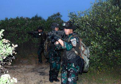 Prajurit Yontaifib 1 Marinir Asah Naluri Tempur dengan Latihan Patroli Rawa