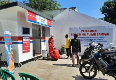 Ganti Olie Bisa Dibayar Dengan Sampah di Area Bank Sampah Sanora RW.03 Sembar.